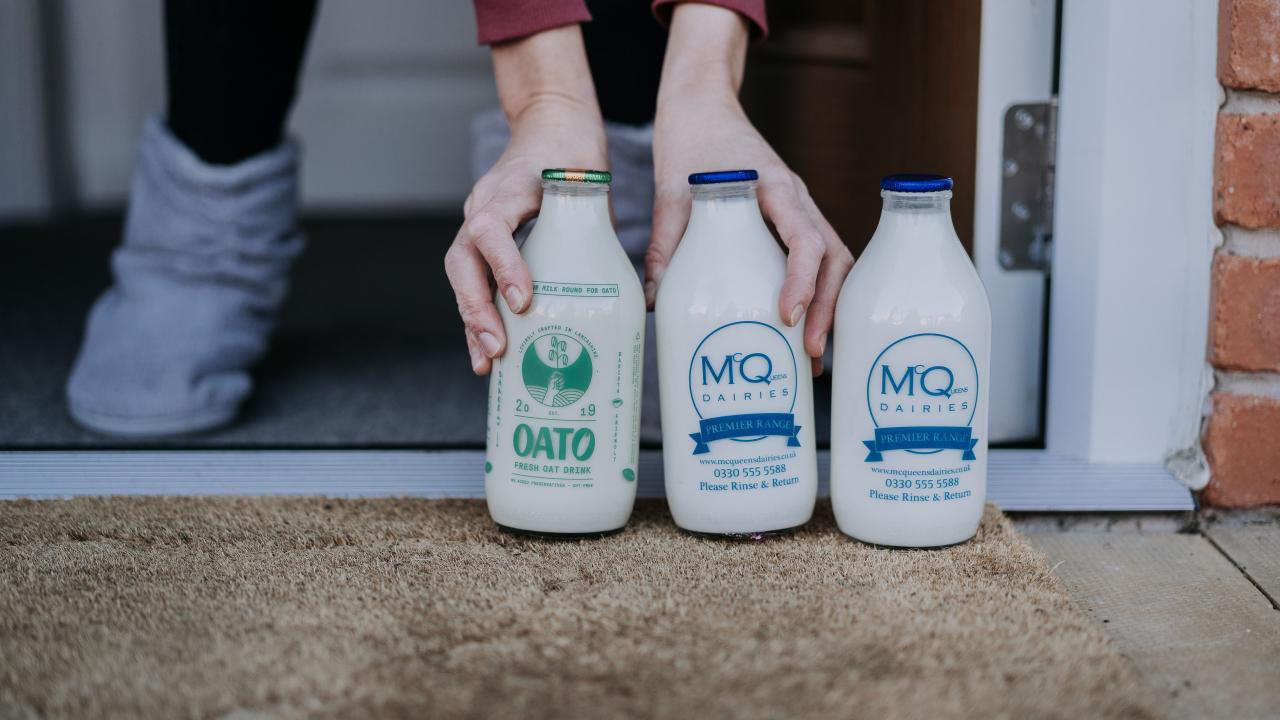 Oato – Oat milk in glass reusable bottles